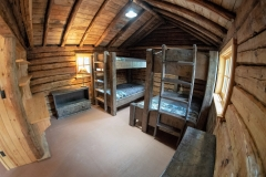 bedroom overview cabin #3-min